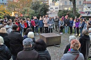 Schüler gedenken der Holocaust-Opfer - zum 80. Jahrestag der Reichspogromnacht