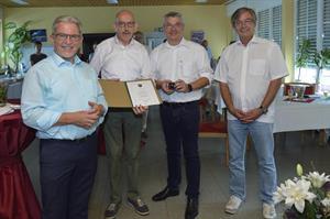 Jahrzehnte des ehrenamtlichen Engagements werden gewürdigt - Werner Eßer erhält Ehrennadel in Gold