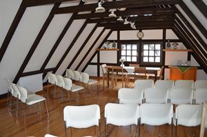Trauungen im Ratssaal jetzt mit 15 Gästen möglich – auch im Bergischen Museum darf wieder geheiratet werden