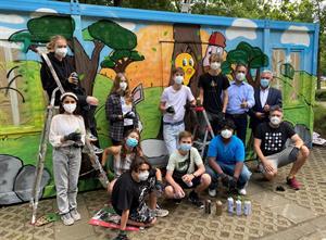 Der Container wird bunt: Graffiti-Sommerferienaktion am Wohnmobilstellplatz Bergisch Gladbach
